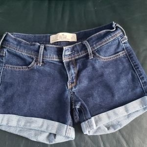 Hollister Shorts - Shorts